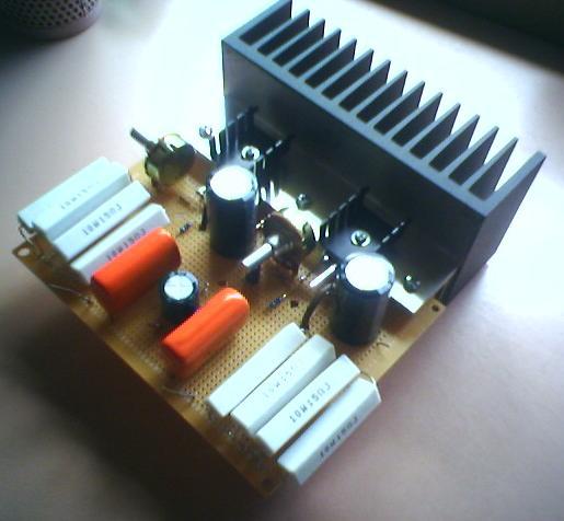 Рис.5. Печатная плата усилителя Переменные резисторы, разъемы и сетевой.